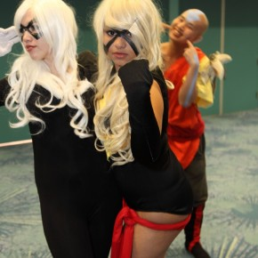 WonderCon 2012 Day 2 - Ang photobomb