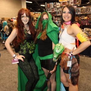 WonderCon 2012 Day 3 - Ivy, lady in green and Yuna